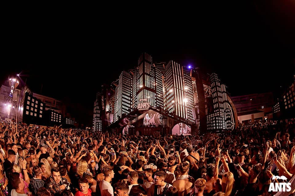 Crowd enjoy the cutting-edge sounds of house and techno at Ants Metropolis, Ushuaïa in Ibiza