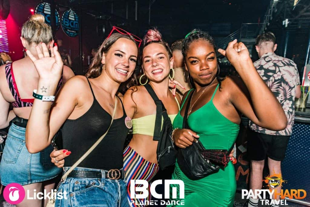 Girls still partying near the bar at end of evening in the BCM Superclub