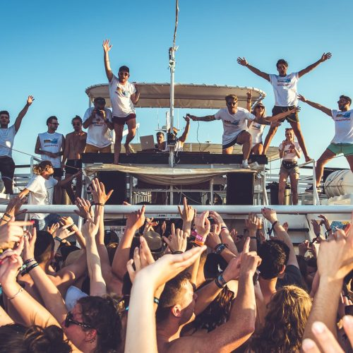 malia booze cruise entertainers